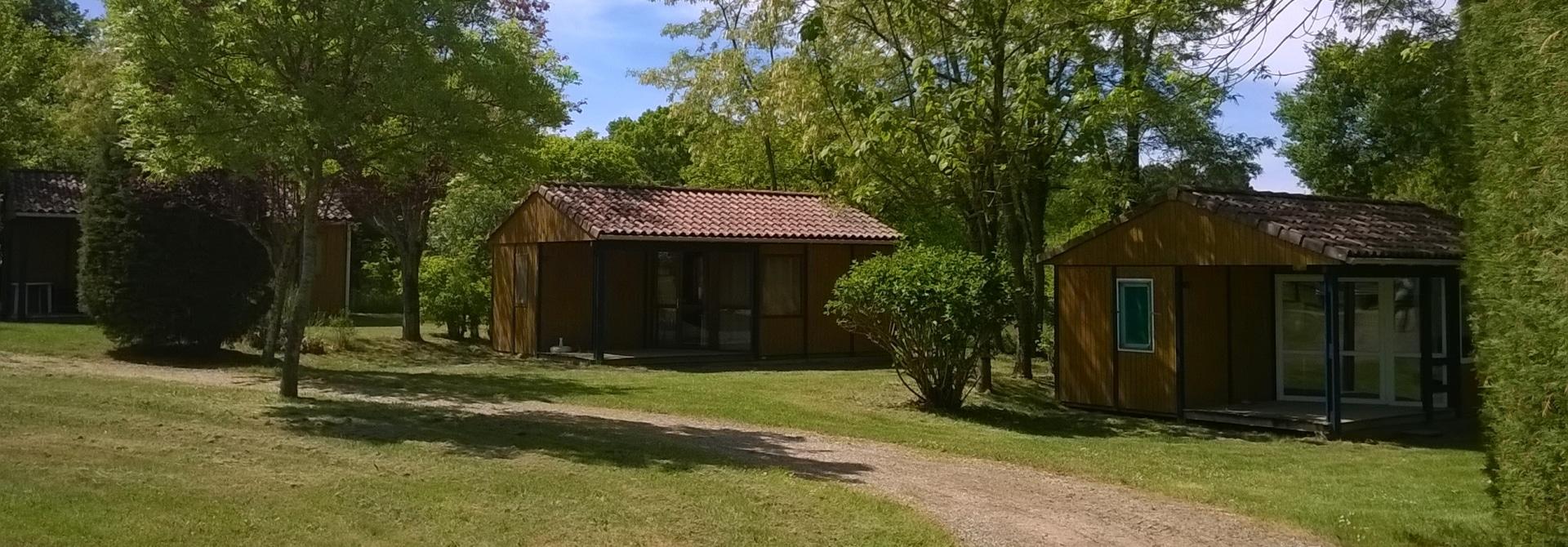 Petit camping nature dans le Lot - Camping Le Rêve - Chalet en bois