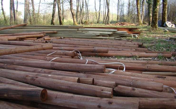 Camping Le Rêve - Arrivée du matériel: Bois et Toile
