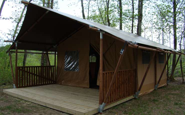 Camping Le Rêve - Montage des balustrades