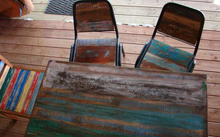Camping Le Rêve - Gerecycleerd houten meubilair