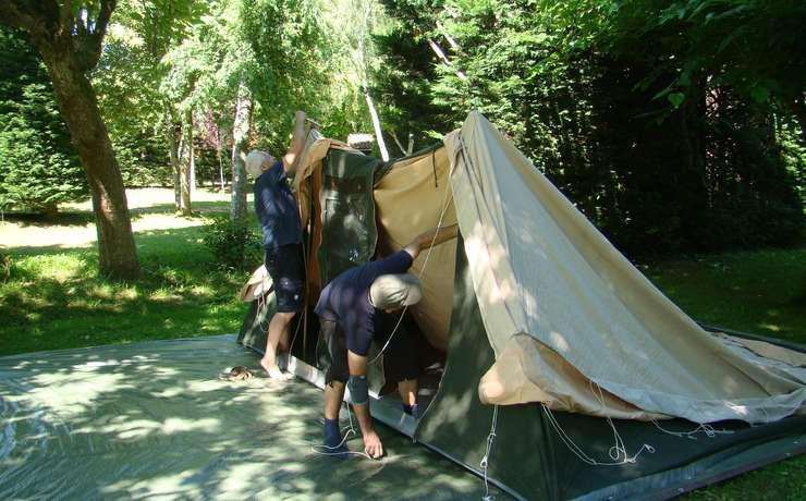 Camping Le Rêve - Pose des premiers piliers