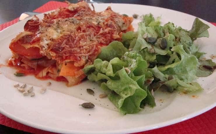 Camping Le Rêve - Vegetarian lasagna and salad